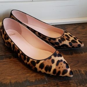 Pointed-toe flats in leopard calf hair L3368